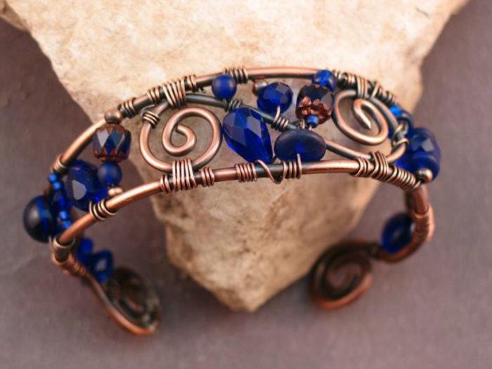 bracelet-en-cuivre-bracelet-manchette-de-bras-avec-des-pierres-bleues