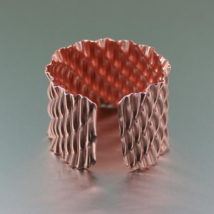 bracelet-en-cuivre-bracelet-manchette-design-ondulant