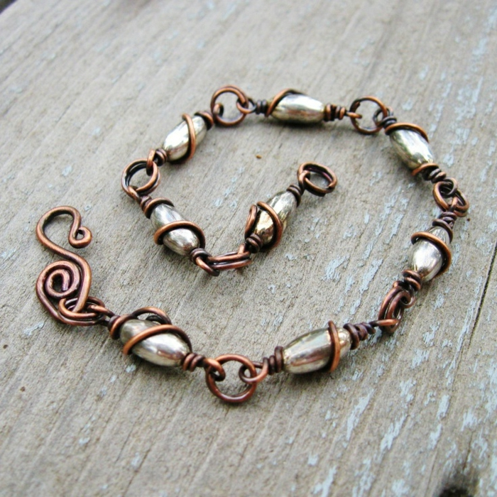 bracelet-en-cuivre-combinaison-originale-de-pierres-et-de-métal-tordu