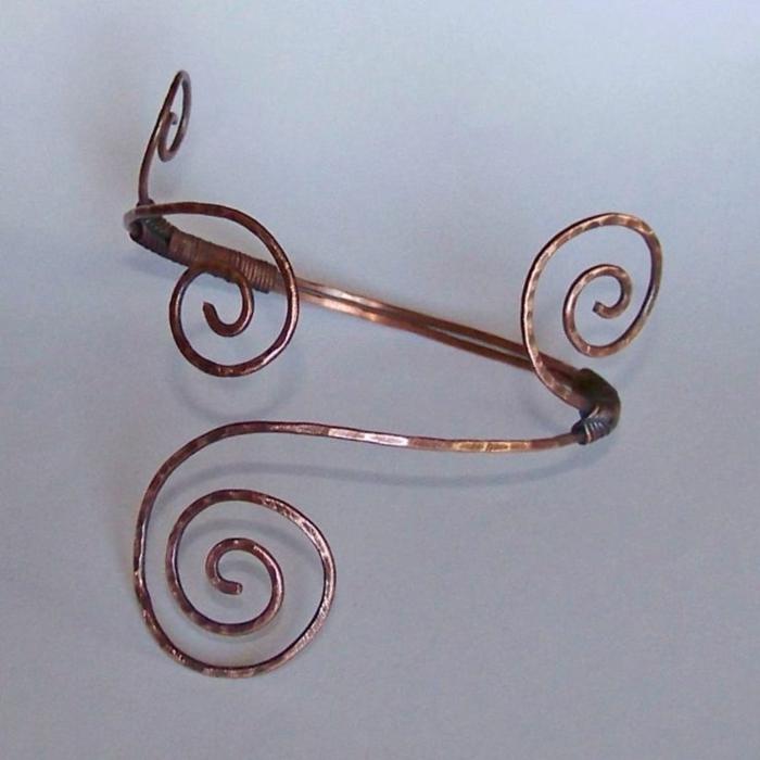 bracelet-en-cuivre-joli-bracelet-pour-bras-formes-tordues
