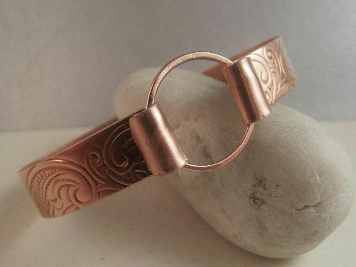 bracelet-en-cuivre-manchette-avec-anneau