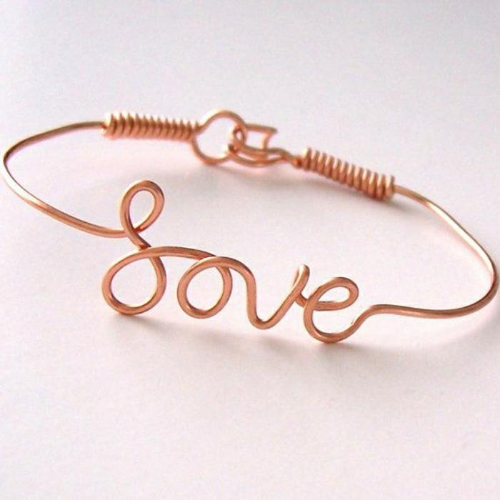 bracelet-en-cuivre-modèle-fin-et-doux-personnalisable