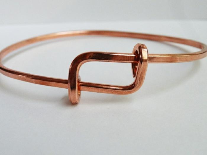bracelet-en-cuivre-modèle-simple-avec-détail-original