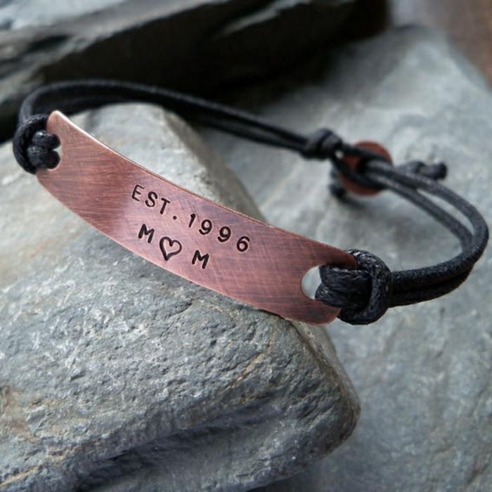 bracelet-en-cuivre-personnalmisé-idée-cadeau-original