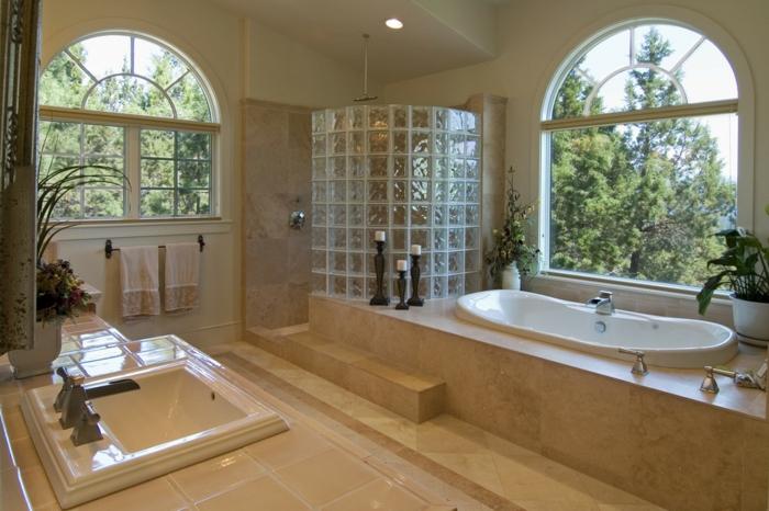 Douche avec carreaux de verre comment monter un mur de for Monter un mur en brique de verre salle de bain