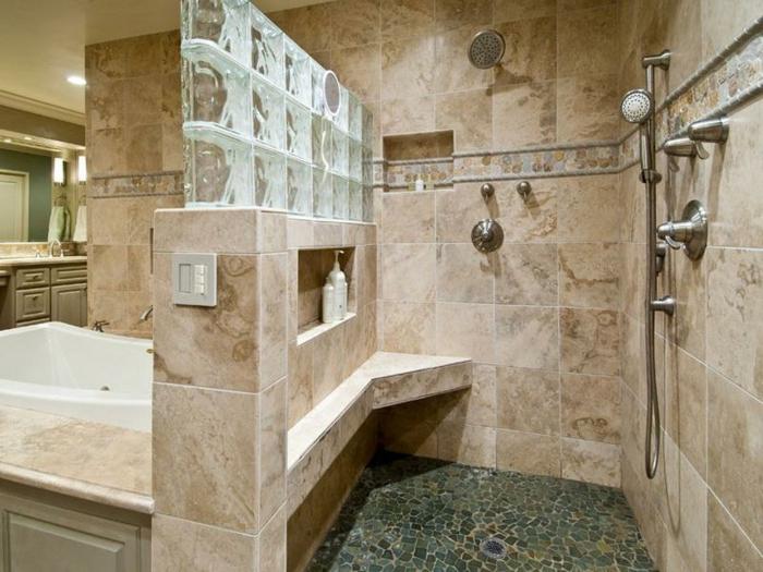 Mettons des briques de verre dans la salle de bains for Poser des carreaux de verre
