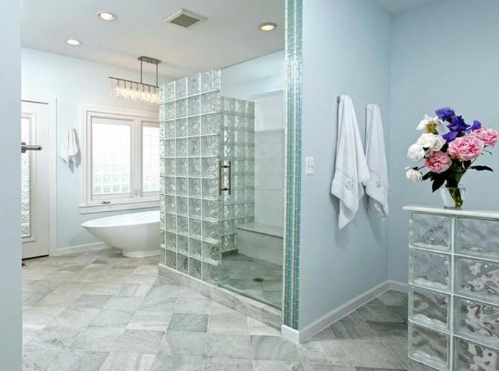 briques-de-verre-salle-de-bain-moderne-cloisons-de-séparation-en-pavés-de-verre