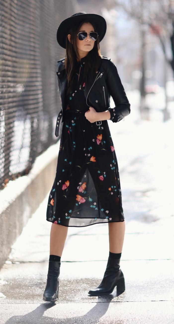capeline-chapeau-noir-comment-l-accessoiriser-capeline-noire-belle-robe-semi-longue