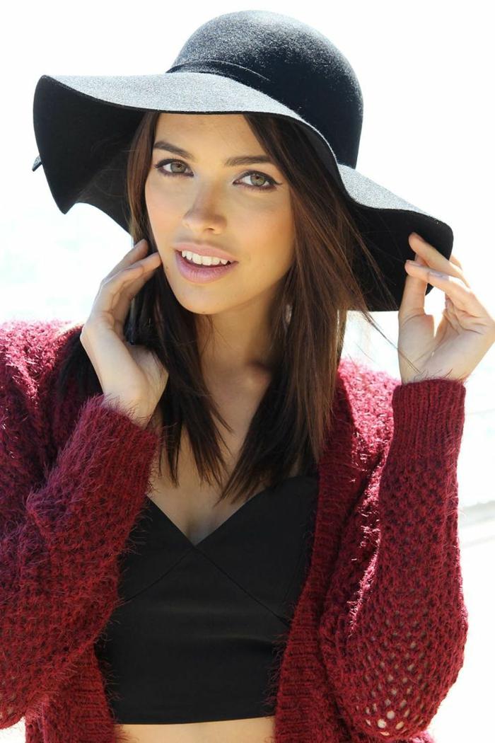 capeline-chapeau-noir-comment-l-accessoiriser-capeline-noire-jillet-rouge