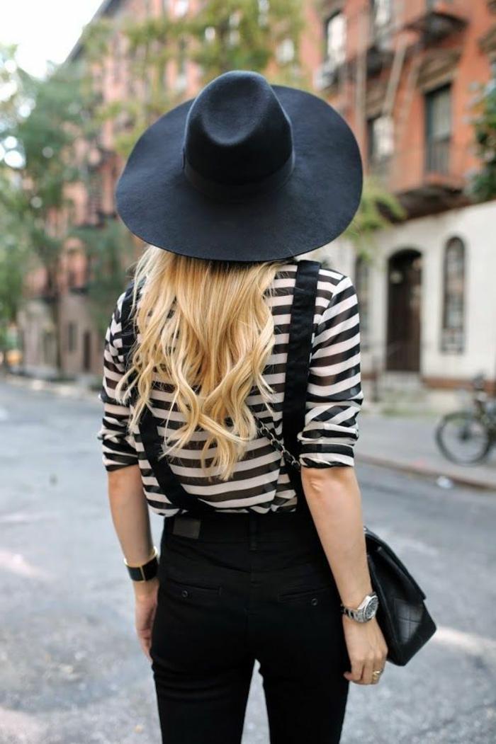 capeline-chapeau-noir-comment-l-accessoiriser-capeline-noire-rayé