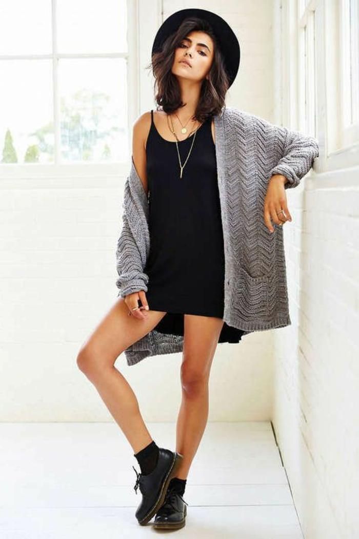 comment porter la capeline noire 65 id es de tenue originale. Black Bedroom Furniture Sets. Home Design Ideas