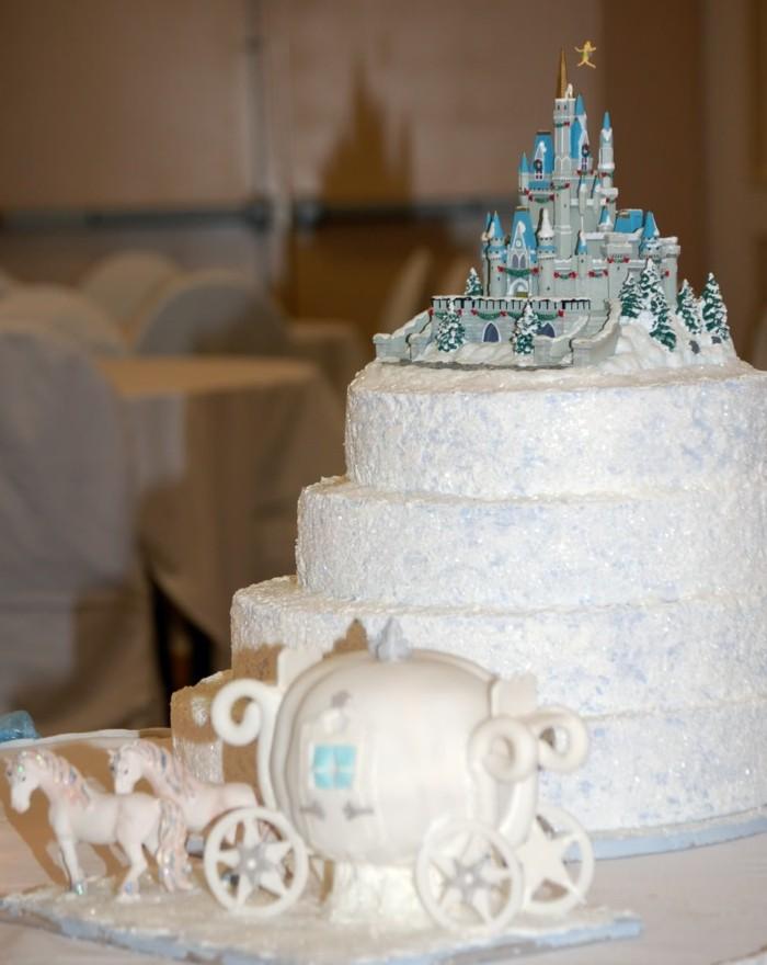carrosse-cendrillon-Disney-centre-de-table-mariage-gâteau-cendrillon-gâteau-beauté