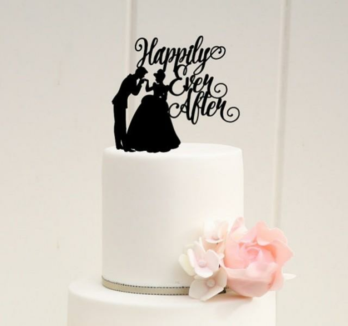 carrosse-cendrillon-Disney-centre-de-table-mariage-gâteau-cendrillon-joyeuse-couple