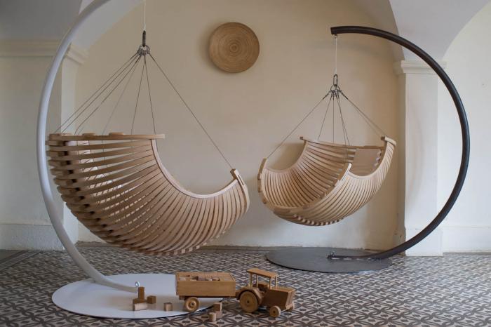 chaise-hamac-chaises-en-bois-ondulantes-design-unique