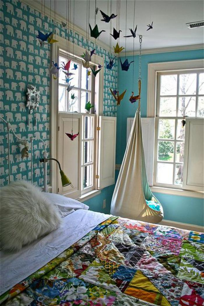 chaise-hamac-en-textile-couverture-de-lit-patchwork