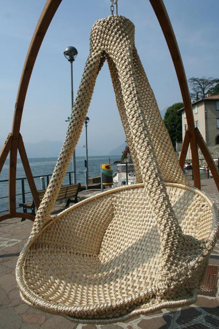 chaise-hamac-modèle-unique-d'assise-suspendue