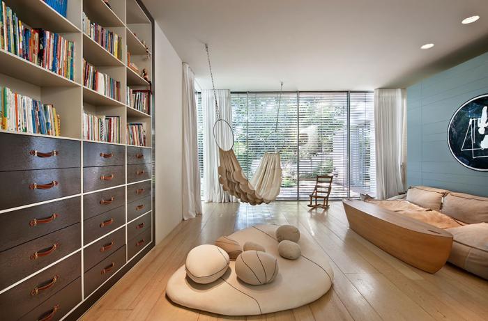 chaise-hamac-un-hamac-dans-la-salle-de-séjour-contemporaine