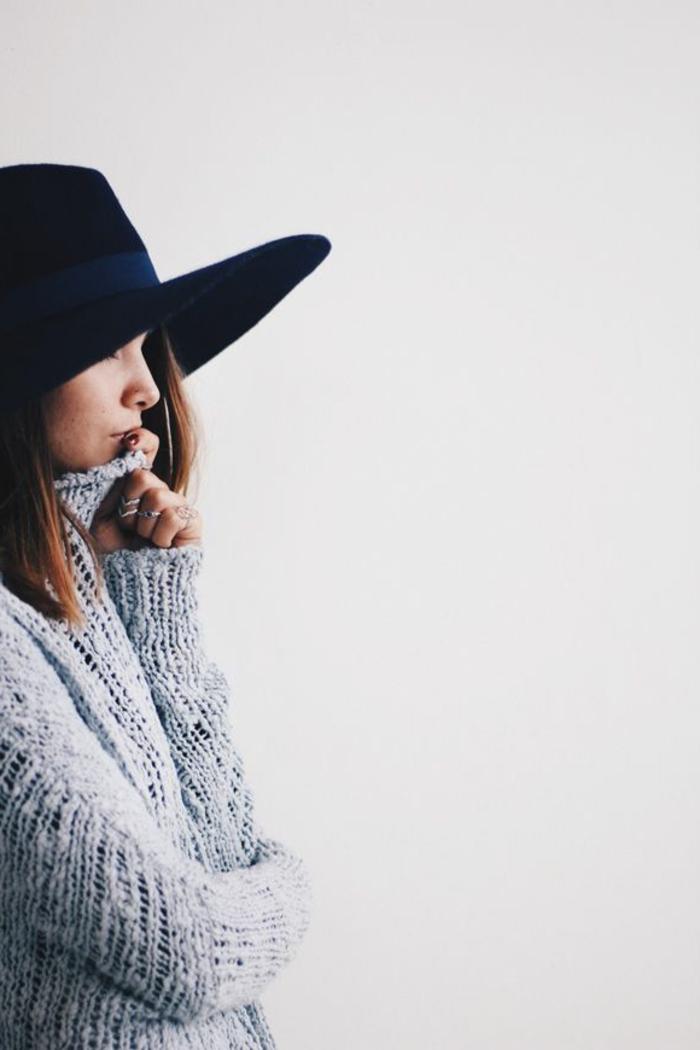 chapeau-capeline-femme-capeline-en-feutre-s-habiller-bien-noire-belle-pull