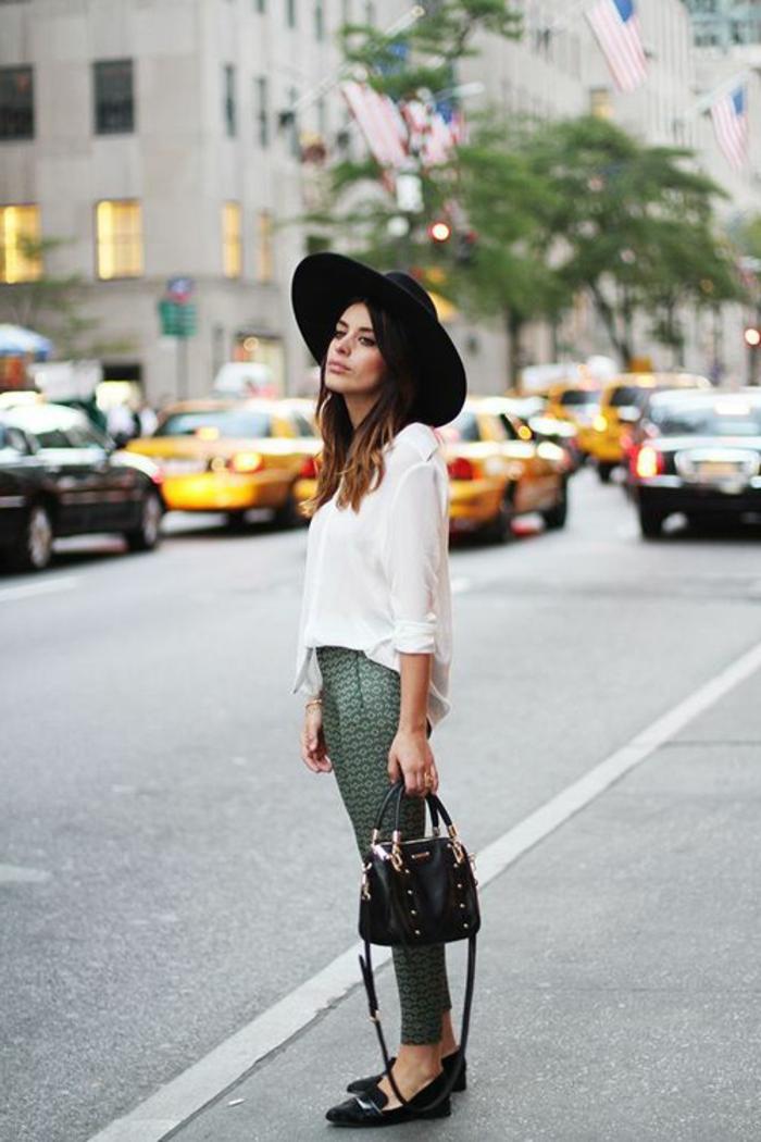 chapeau-capeline-feutre-noir-tenue-du-jour-femme-chique-stylé-chemise-blanc