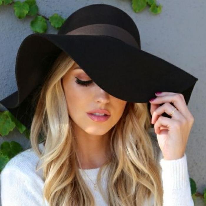 chapeau-capeline-noir-chapeaux-capeline-noir-accessoire-blonde