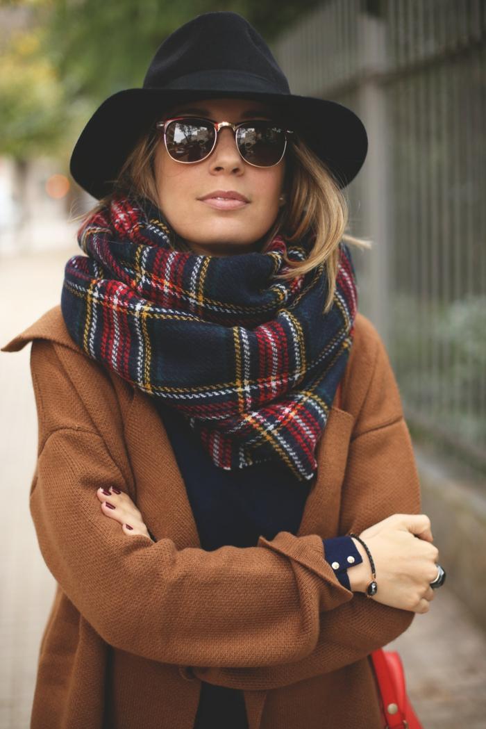 chapeau-capeline-noir-chapeaux-capeline-noir-accessoire-hiver-automne