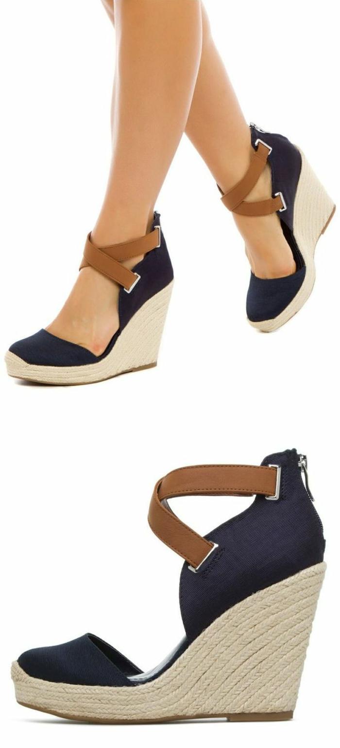 chaussures-compensées-jolies-espadrilles-avec-deux-sangles-croisés