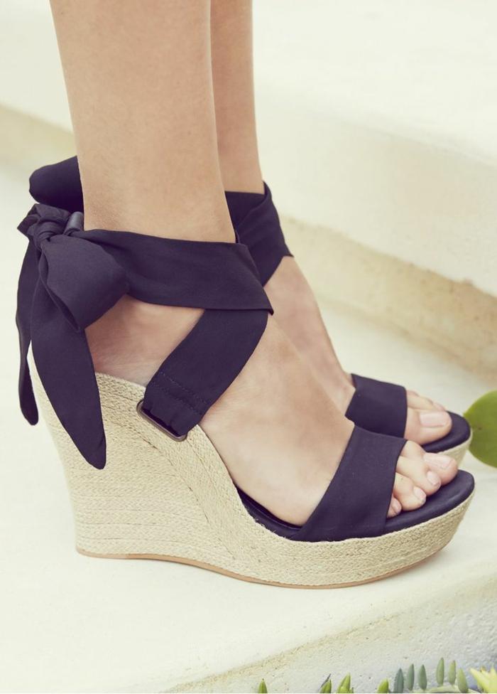 les chaussures compens es un must have pour la femme moderne. Black Bedroom Furniture Sets. Home Design Ideas