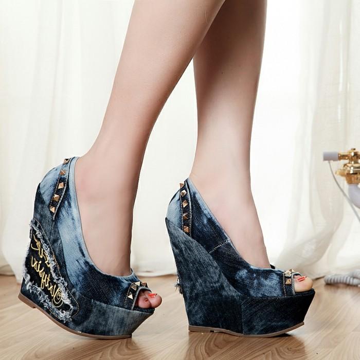 chaussures-compensées-sandales-ultra-hautes-en-denim