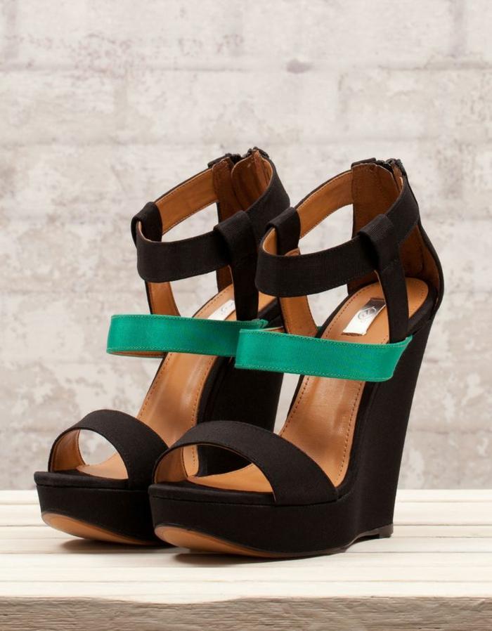chaussures-compensées-sandales-ultra-hautes-compensées