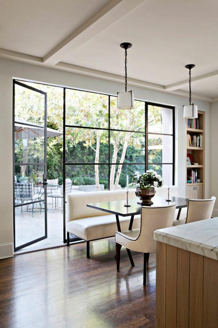 cloison-en-verre-cloison-vitrée-donnant-vers-l'extérieur