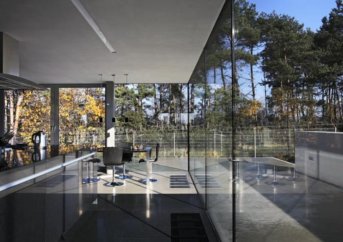 cloison-en-verre-impressionnante-maison-de-vacances-moderne