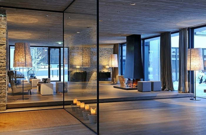 cloison-en-verre-intérieur-épuré-et-stylé-idées-déco-des-espaces-contemporaines