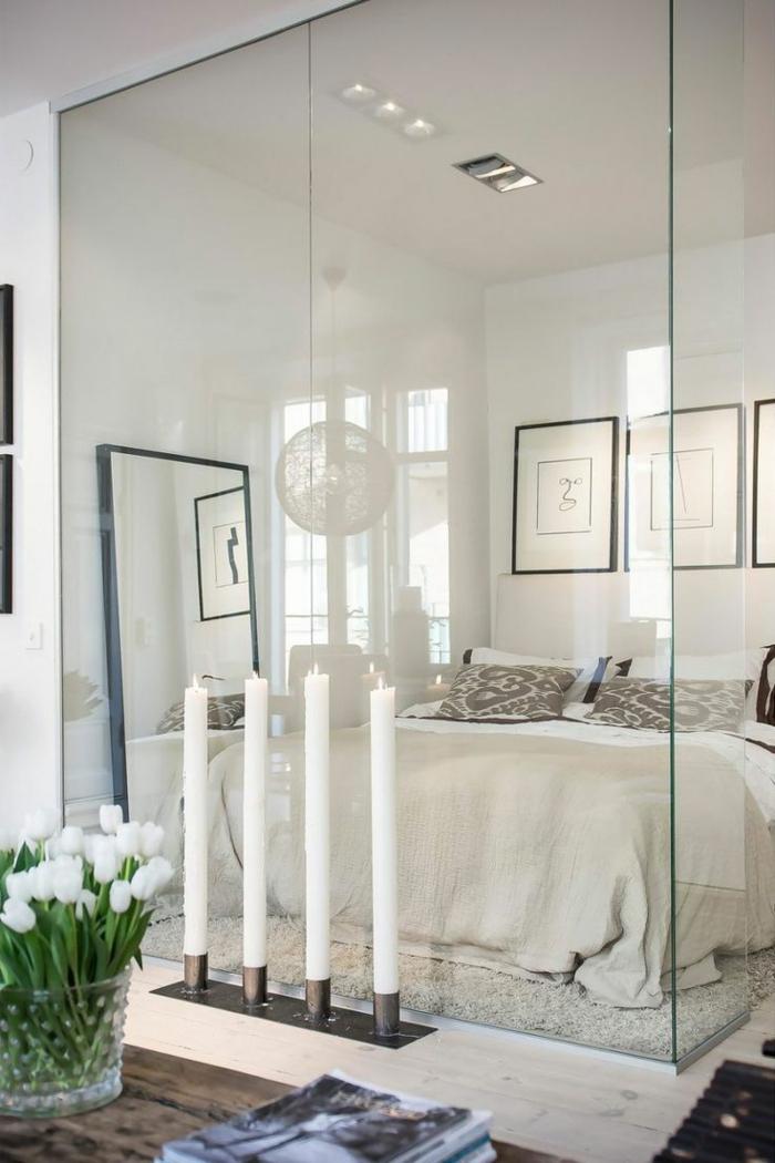 cloison-en-verre-murs-en-verre-intérieur-élégant-en-blanc