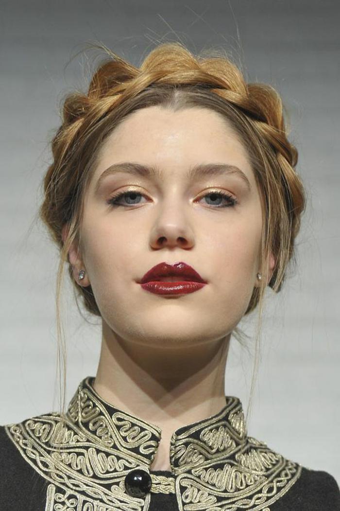 La coiffure avec tresse mille et une variantes pour tre belle - Coiffure couronne tressee ...