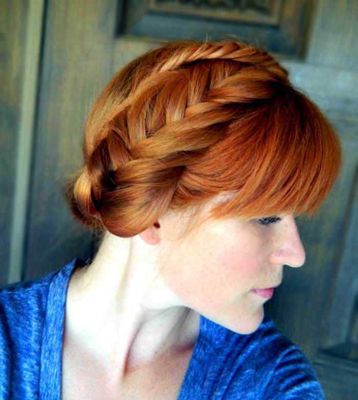 coiffure-avec-tresse-tresse-de-poisson-sur-des-cheveux-roux