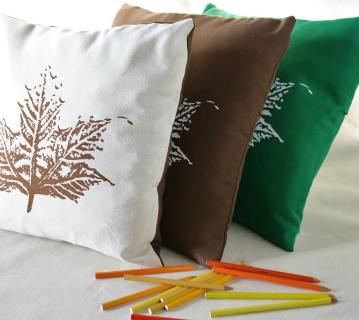 comment-choisir-une-housse-de-coussin-40x40-coloré-de-differente-couleur-beige-vert-et-blanc