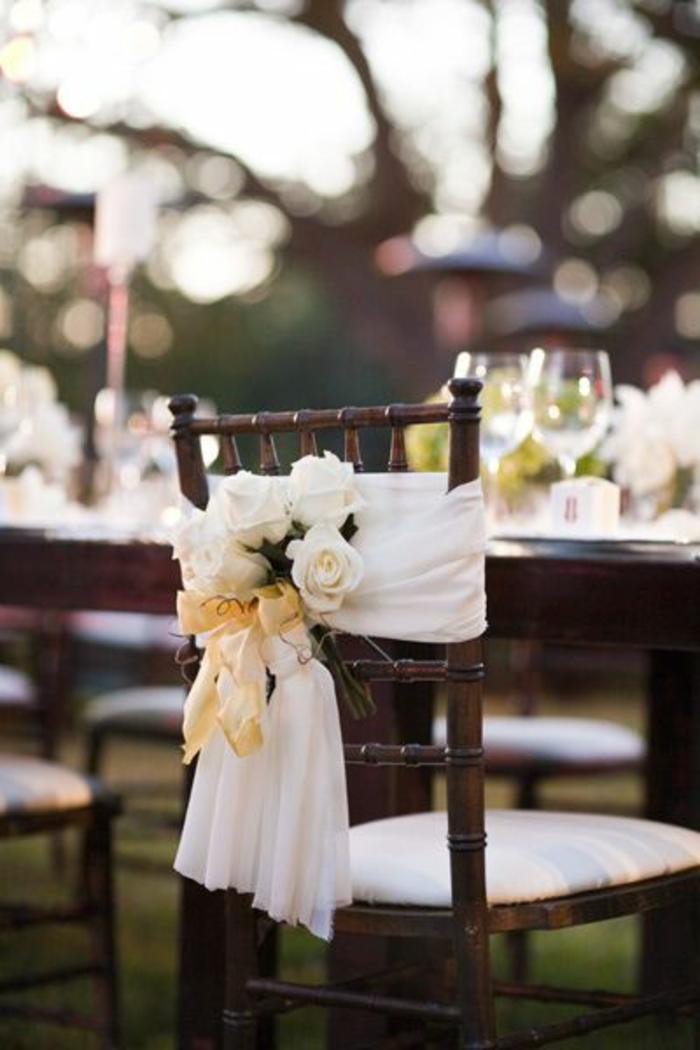 On vous pr sente la housse de chaise mariage en 53 photos - Comment decorer une corbeille de mariage ...