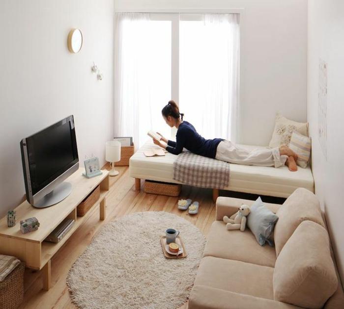 comment-décorer-son-salon-idee-deco-salon-sejour-beige-sol-en-planchers-en-bois