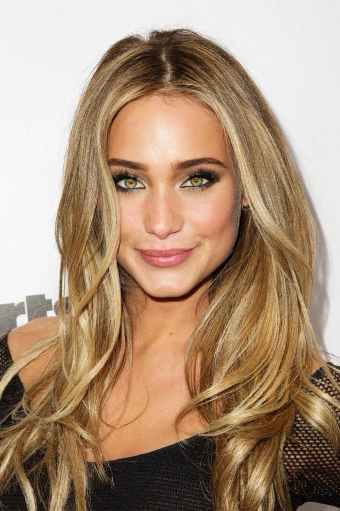 conseils-de-maquillage-pour-yeux-verts-cheveux-blonde-modèle-resized