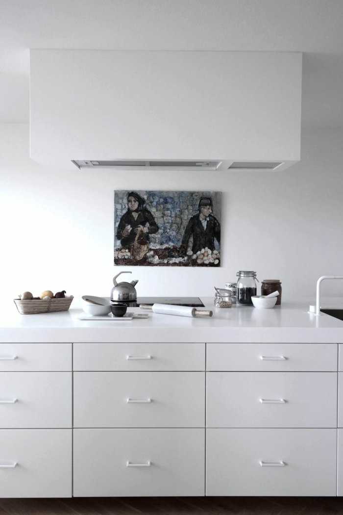 couleur-cuisine-feng-shui-blanche-avec-un-design-simple-et-epuree-meubles-blanches-peinture