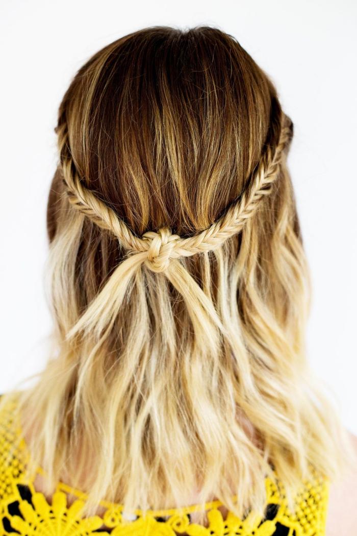 idée coiffure bohème à faire soi-même, coupe de cheveux mi longs femme, exemple comment s attacher les cheveux en semi couronne tressée