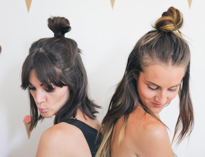 quelle coupe cheveux courts avec frange, idée coiffure a faire soi meme aux cheveux mi-attachés en pin up avec frange