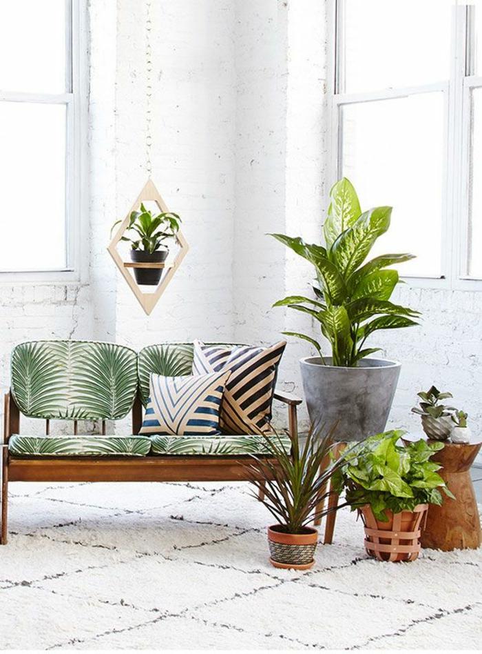 coussins-déco-design-salon-ou-chambre-à-coucher-canbapé-des-plantes-verts