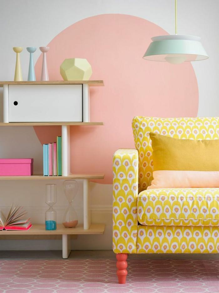 coussins-déco-design-salon-ou-chambre-à-coucher-lit-couleurs-pastelles