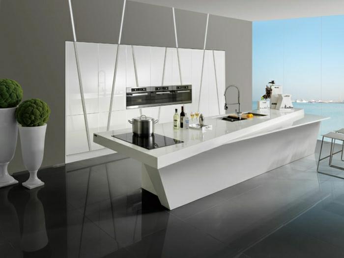 cuisine-blanche-laquée-photo-cuisine-moderne-originale-vue-de-la-mer