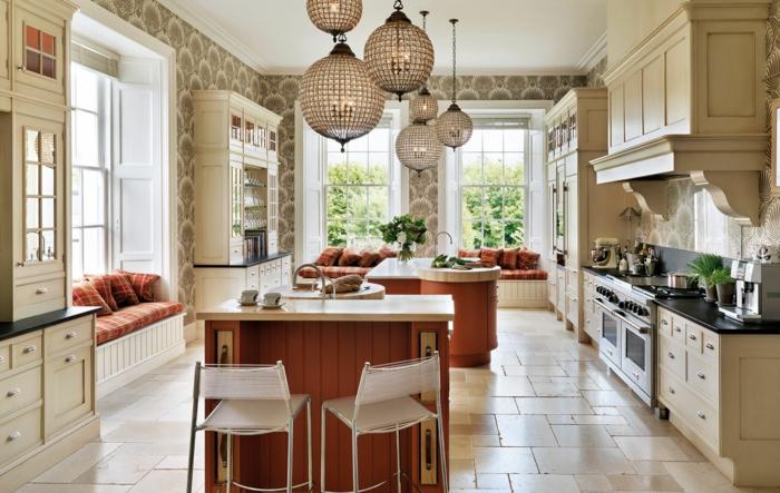 cuisine-style-campagne-cuisine-contemporaine-décorée-de-placards-blancs-traditionnels