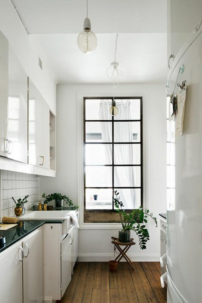 cuisinie-aménagée-leroy-merlin-avec-sol-en-planchers-en-bois-massif