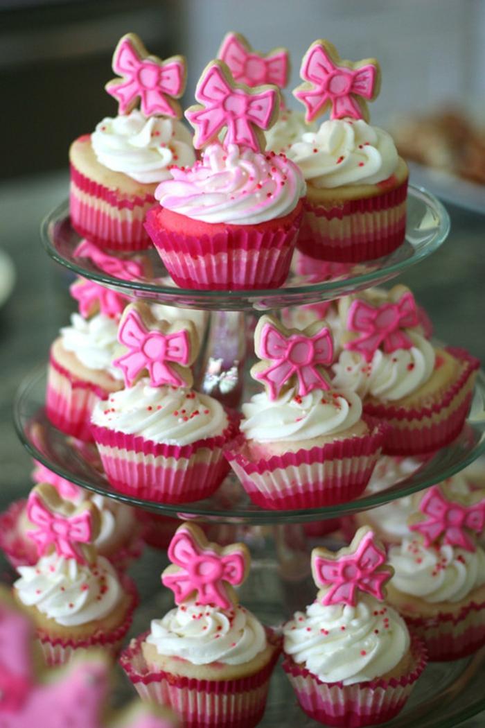 déco-à-faire-à-soi-même-gâteau-anniversaire-thème-Disney-Aurore-cupcakes