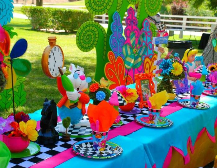 déco-anniversaire-fille-pique-nique-au-plain-nature-jardin-party-décoration-alice-jardin