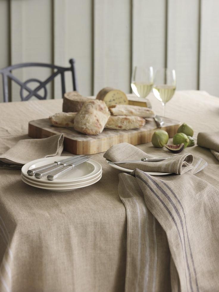 déco-de-table-chemin-de-table-en-lin-art-de-table-beaute-idée-déjeuner